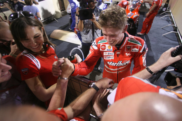 Qatar, Losail International Circuit.10th - 13th April 2009.Casey Stoner Marlboro Ducati Team celebrates his win in parc ferme.World Copyright: Martin Heath/LAT Photographicref: Digital Image BPI_Moto 7o5v