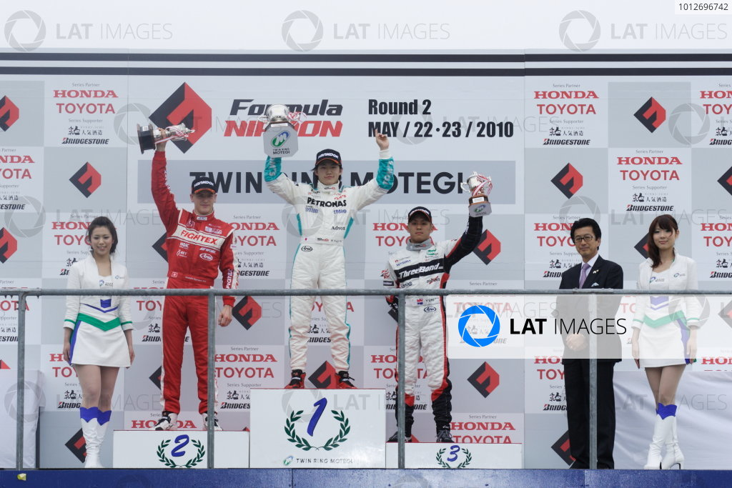Round 3 & 4 - Twin Ring Motegi.22nd - 23rd May 2010.Rd 3 Winner Yuji Kunimoto ( #1 PETRONAS TEAM TOM'S ) 2nd position Alexandre Imperatori ( #2 TODA RACING ) 3rd position Yuhi Sekiguchi ( #12 ThreeBond Racing ) podium.World Copyright: Yasushi Ishihara/LAT Photographicref: Digital Image 2010JF3_R4_004