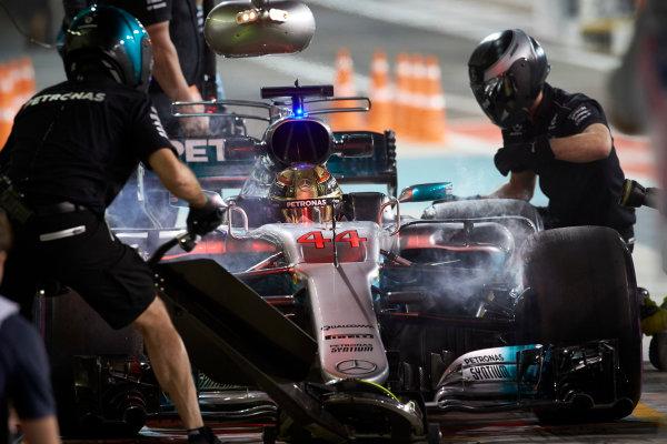 Yas Marina Circuit, Abu Dhabi, United Arab Emirates. Friday 24 November 2017. Lewis Hamilton, Mercedes F1 W08 EQ Power+, makes a stop during practice. World Copyright: Steve Etherington/LAT Images  ref: Digital Image SNE10746