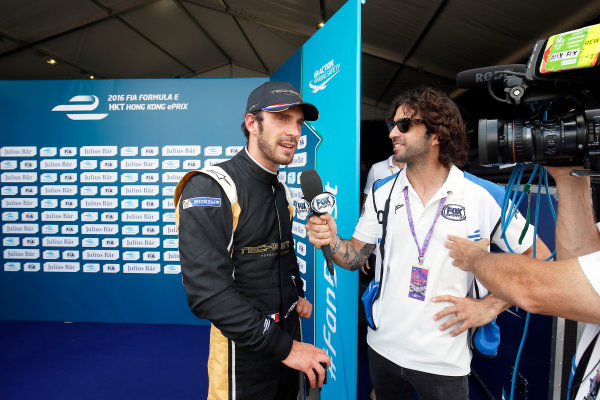 FIA Formula E Hong Kong e-Prix. Qualifying Session. Jean-Eric Vergne (FRA), Techeetah, Spark-Renault, Renault Z.E 16.  Hong Kong Harbour, Hong Kong, Asia. Sunday 9 October 2016. Photo: Adam Warner / FE / LAT ref: Digital Image _L5R7949