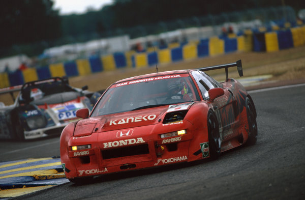 1995 Le Mans 24 Hours. Le Mans, France. 17th - 18th June 1995. Keiichi Tsuchiya/Akira Iida/Kunimitsu Takahashi (Honda NSX), 8th position, action.  World Copyright: LAT Photographic. Ref:  95LM39