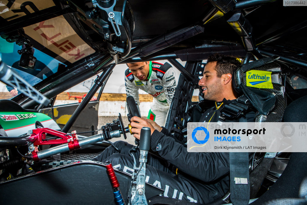 Daniel Ricciardo tests Kelly Racing Nissan Supercar at Calder, and talks to Rick Kelly
