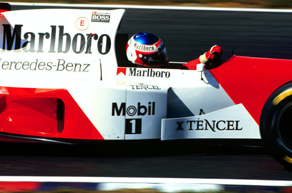 1995 Pacific Grand Prix.Tanaka International, Aida, Japan.20-22 October 1995.Jan Magnussen (McLaren MP4/10B Mercedes) 10th position on his Grand Prix debut.World Copyright - LAT Photographic