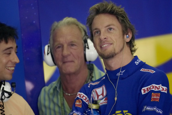 Jenson Button with his father John in the BAR Honda pits.