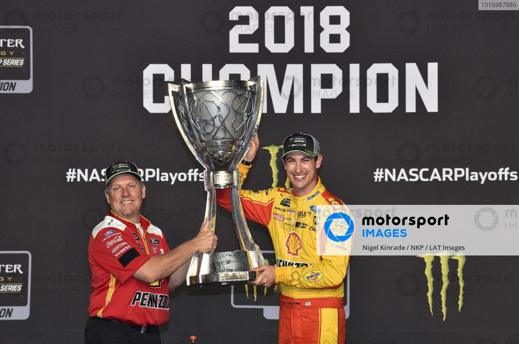 #22: Joey Logano, Team Penske, Ford Fusion Shell Pennzoil celebrates his Championship