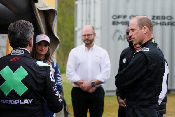 Alejandro Agag, CEO, Extreme E, Catie Munnings (GBR), Andretti United Extreme E, Adam Bond, CEO, AFC Energy, and HRH Prince William, Duke of Cambridge
