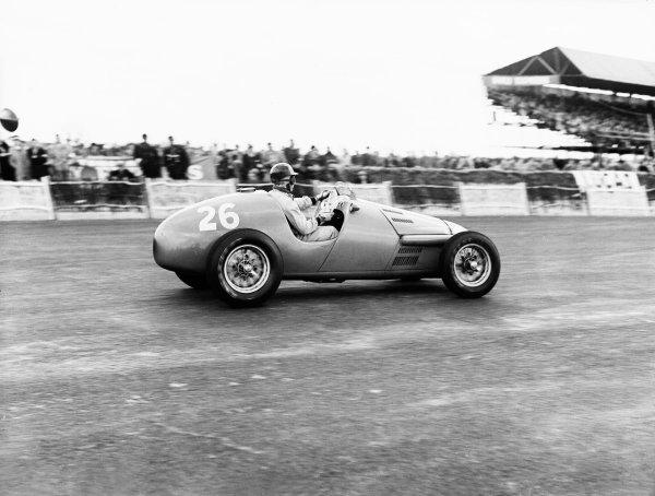 Silverstone, Great Britain. 10 May 1952.Robert Manzon (Simca-Gordini 15).Ref-Motor 771/12.World Copyright - LAT Photographic