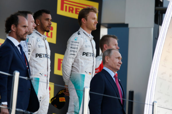 Sochi Autodrom, Sochi, Russia.  Sunday 01 May 2016. Russian President Vladimir Putin on the podium, with Nico Rosberg, Mercedes AMG, Lewis Hamilton, Mercedes AMG and Kimi Raikkonen, Ferrari.    World Copyright: Steven Tee/LAT Photographic ref: Digital Image _X0W3069