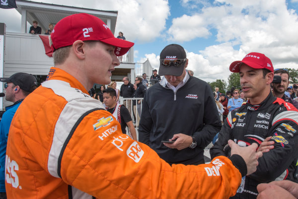 Verizon IndyCar Series Kohler Grand Prix Road America, Elkhart Lake, WI USA Sunday 25 June 2017 Josef Newgarden, Team Penske Chevrolet talks to Helio Castroneves, Team Penske Chevrolet after the race  World Copyright: Geoffrey M. Miller LAT Images