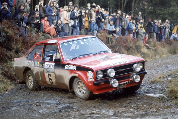 1975 World Rally Championship. Lombard RAC Rally, York, Great Britain. 22nd - 26th November 1975. Roger Clark/Tony Mason (Ford Escort RS1800), 2nd position. World Copyright: LAT Photographic Ref: 35mm transparency 75RAC04