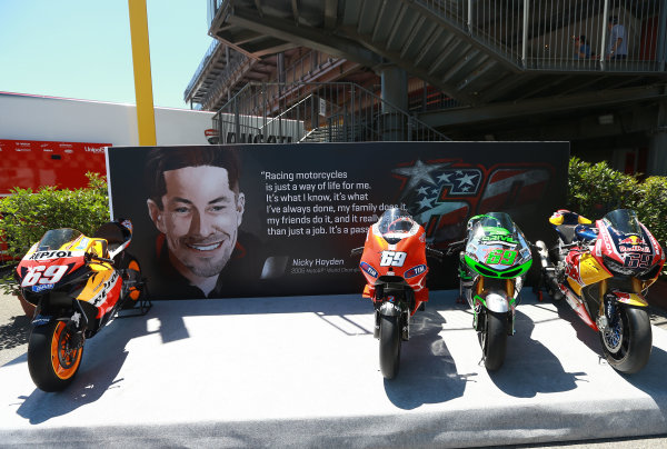2017 Moto3 Championship - Round 6 Mugello, Italy Thursday 1 June 2017 Nicky Hayden tribute with all bikes World Copyright: Gold & Goose Photography/LAT Images ref: Digital Image 673327