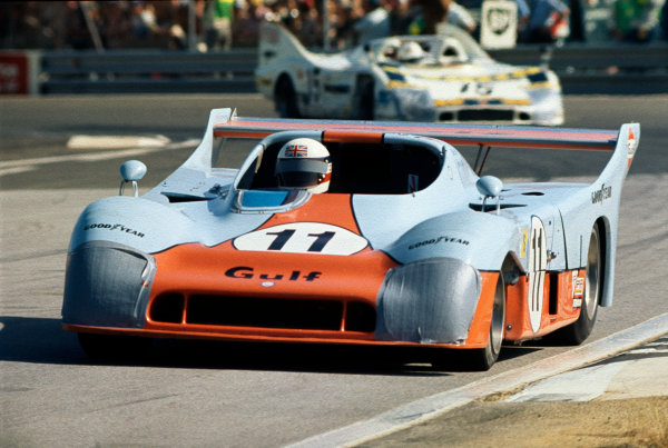 1975 Le Mans 24 hours. Le Mans, France. 14 - 15 June 1975. Jacky Ickx / Derek Bell (Gulf Mirage GR8-Ford), 1st position, action. World Copyright: LAT Photographic. Ref:S24_15