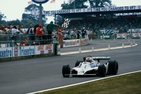 Silverstone, England. 12-14 July 1979. Clay Regazzoni (Williams FW07-Ford) 1st position, action. This was Williams Grand Prix Engineering's maiden Grand Prix victory.  World Copyright - LAT Photographic