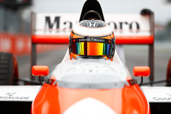 Suzuka Circuit, Japan. Saturday 08 October 2016. Stoffel Vandoorne, Test and Reserve Driver, McLaren, in the 1989 McLaren MP4/5 in which Alain Prost scored his third world drivers title. World Copyright: Steven Tee/LAT Photographic ref: Digital Image _R3I7475