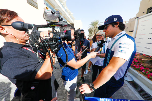 Yas Marina Circuit, Abu Dhabi, United Arab Emirates. Thursday 23 November 2017. Lance Stroll, Williams Martini Racing, talks to the press. World Copyright: Glenn Dunbar/LAT Images  ref: Digital Image _31I4521