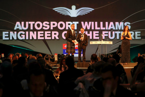 2017 Autosport Awards Grosvenor House Hotel, Park Lane, London. Sunday 3 December 2017. Paddy Lowe, Williams Martini Racing Formula 1, presents the Williams Engineer of the Future award. World Copyright: Joe Portlock/LAT Images Ref: Digital Image _o3i6922