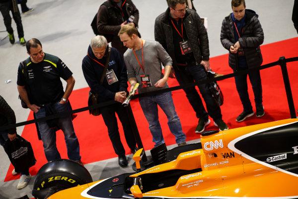 Autosport International Exhibition. National Exhibition Centre, Birmingham, UK. Saturday 13th January 2018. Fans inspect a McLaren Honda.World Copyright: James Roberts/JEP/LAT Images Ref: JR3_5328