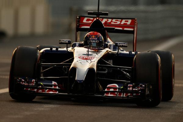 Yas Marina Circuit, Abu Dhabi, United Arab Emirates. Wednesday 26 November 2014. Max Verstappen, Toro Rosso STR9 Renault.  World Copyright: Sam Bloxham/LAT Photographic. ref: Digital Image _G7C9939