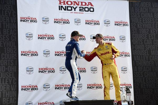 Felix Rosenqvist, Chip Ganassi Racing Honda congratulates Ryan Hunter-Reay, Andretti Autosport Honda