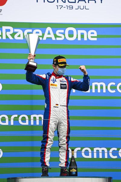 Race winner David BECKMAN (DEU, TRIDENT MOTORSPORT) on the podium with trophy