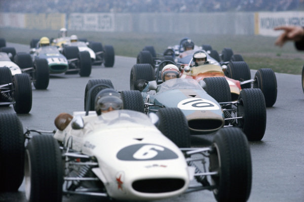 Kurt Ahrens Jr, Brabham BT23C Cosworth leads Derek Bell, Frank Williams Racing Cars, Brabham BT23C Cosworth and Jim Clark, Gold Leaf Team Lotus, Lotus 48 Cosworth at the start.