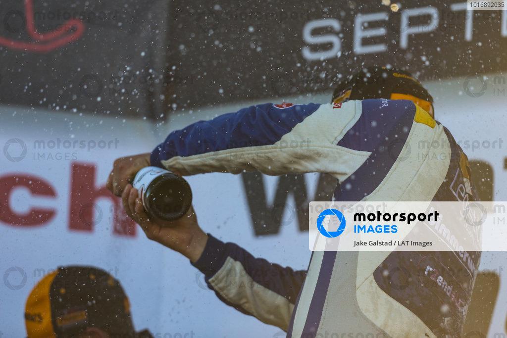 #81 BimmerWorld Racing, BMW 328i, ST: Nick Galante, Devin Jones, Champagne