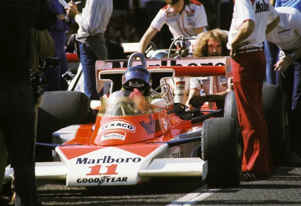 James Hunt (GBR) McLaren M23 overcame the terrible race conditions and a puncture late in the race to take third position and the four points necessary to take his first and only World Championship title.