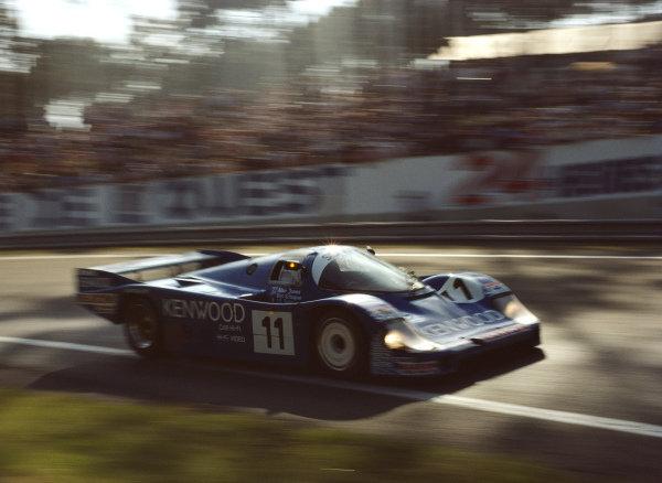 Vern Schuppan / Alan Jones / Jean-Pierre Jarier, Porsche Kremer Racing, Porsche 956B.