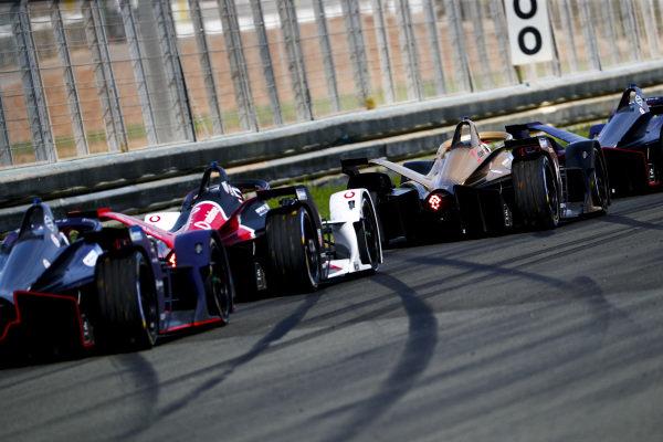 Jean-Eric Vergne (FRA), DS Techeetah, DS E-Tense FE20 leads Andre Lotterer (DEU), Tag Heuer Porsche, Porsche 99x Electric