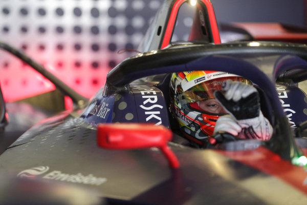 Robin Frijns (NLD), Envision Virgin Racing, Audi e-tron FE05, sits in his car