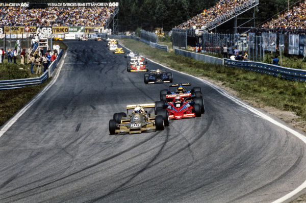 Riccardo Patrese, Arrows FA1 Ford leads John Watson, Brabham BT46B Alfa Romeo, and Ronnie Peterson, Lotus 79 Ford.