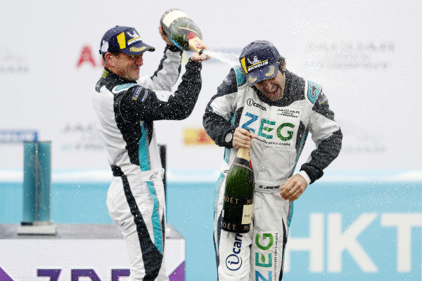 PRO class winner Bryan Sellers (USA), Rahal Letterman Lanigan Racing sprays 3rd position Sérgio Jimenez (BRA), Jaguar Brazil Racing with champagne