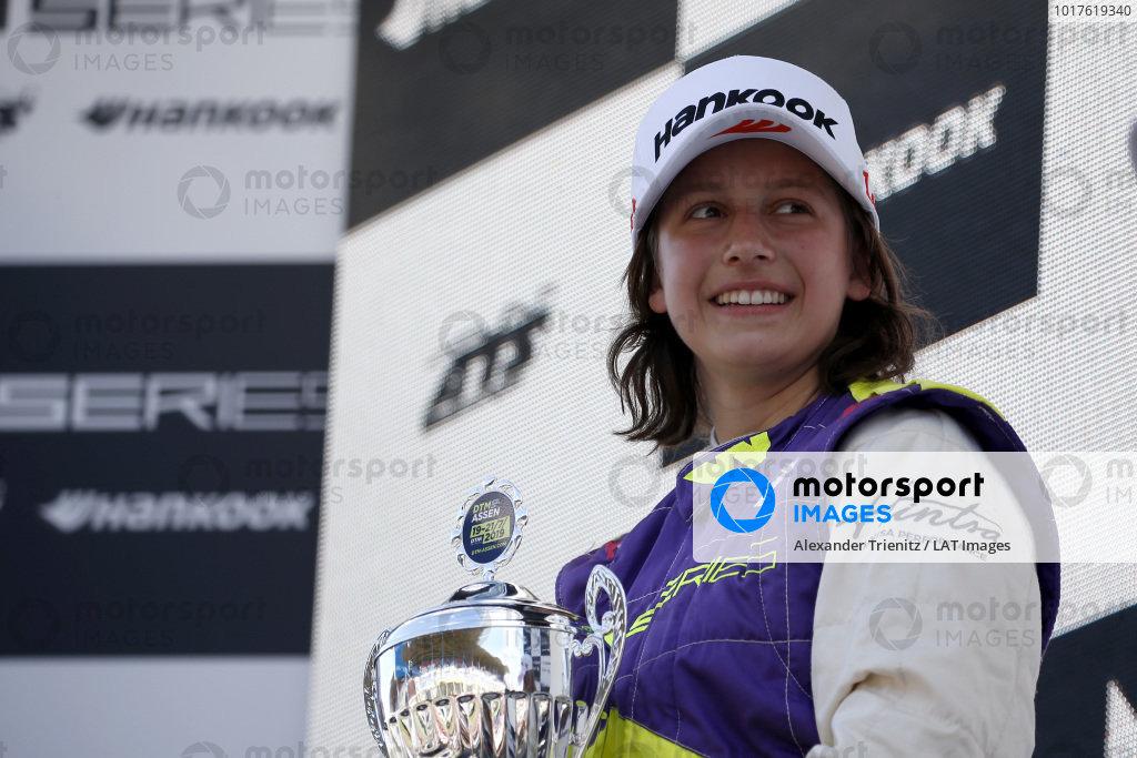 Podium: Race winner Megan Gilkes (CAN).