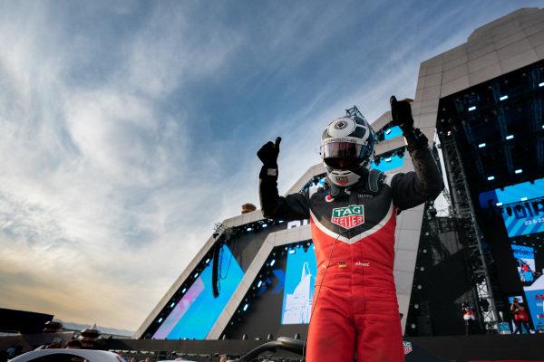 Andre Lotterer (DEU), Tag Heuer Porsche at the podium