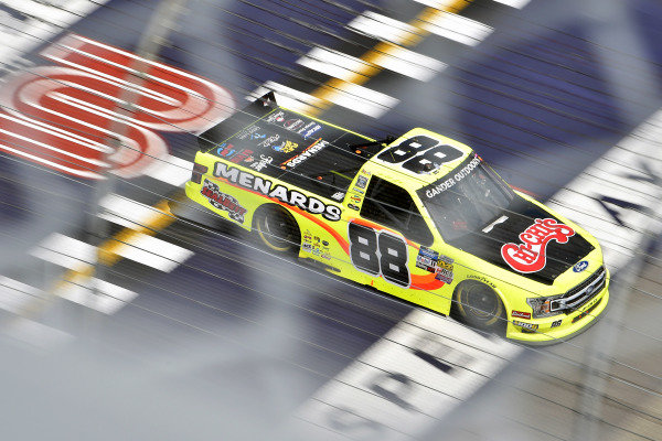 #88: Matt Crafton, ThorSport Racing, Ford F-150 Chi Chis/ Menards