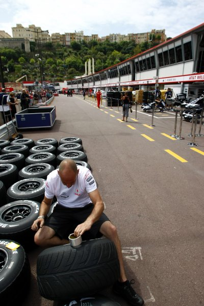 2008 Monaco Grand Prix - WednesdayMonte Carlo, Monaco.21st May 2008.A McLaren mechanic prepares tyres for the weekend in the pit lane.World Copyright: Charles Coates/LAT Photographic.ref: Digital Image _26Y4872