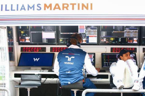 Shanghai International Circuit, Shanghai, China.  Friday 7 April 2017. Felipe Massa, Williams Martini Racing, relaxes on the pit wall. World Copyright: Andrew Hone/LAT Images ref: Digital Image _ONZ4082