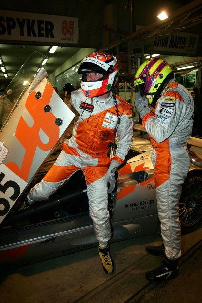 Tom Coronel (NLD)D.Cervels (NLD) P.Van Merkestejin (NLD) Spyker Squadron Spyker C8, driver change during Wednesdays first night time practice session.Le Mans 24 Hours, First Qualifying, Le Mans, France, 15 June 2005.DIGITAL IMAGE
