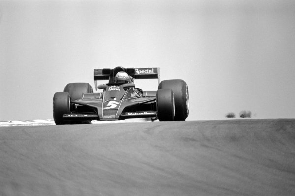 1977 French Grand Prix.Dijon-Prenois, France. 3 July 1977.Mario Andretti (Lotus 78-Ford Cosworth), 1st position. Ref-10087 #19A.World Copyright - LAT Photographic