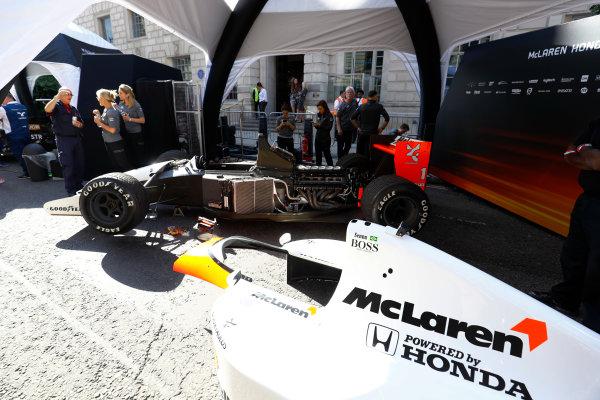 London, United Kingdom.  Wednesday 12 July 2017. A 1991 Ayrton Senna McLaren MP4/6 is prepared for a demo run. World Copyright: Steven Tee/LAT Images  ref: Digital Image _O3I9063