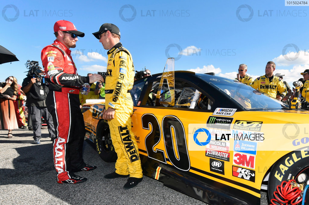 Monster Energy NASCAR Cup Series Ford EcoBoost 400 Homestead-Miami Speedway, Homestead, FL USA Sunday 19 November 2017 Matt Kenseth, Joe Gibbs Racing, DEWALT Hurricane Recovery Toyota Camry and Dale Earnhardt Jr, Hendrick Motorsports, Axalta Chevrolet SS World Copyright: Nigel Kinrade LAT Images