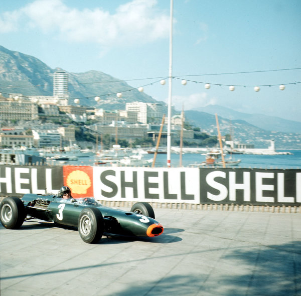 Monte Carlo, Monaco.28-30 May 1965.Graham Hill (BRM P261) 1st position.Ref-3/1614.World Copyright - LAT Photographic