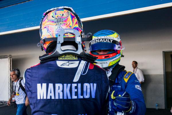 2017 FIA Formula 2 Round 10. Circuito de Jerez, Jerez, Spain. Sunday 8 October 2017. Artem Markelov (RUS, RUSSIAN TIME),Oliver Rowland (GBR, DAMS).  Photo: Zak Mauger/FIA Formula 2. ref: Digital Image _56I7914