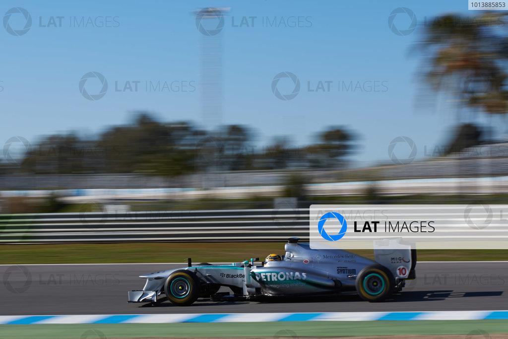 Circuito de Jerez, Jerez de la Frontera, Spain, 4th February 2013 Lewis Hamilton, Mercedes W04, tries out the new 2013 car. World Copyright: Andrew Ferraro/LAT Photographic ref: _79P5575