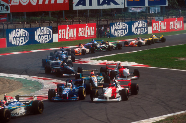 Monza, Italy.8-10 September 1995.The back end of the field files through the Rettifilo Chicane.Ref-95 ITA 05.World Copyright - LAT Photographic