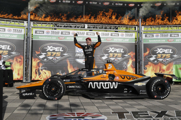 Winner #5: Pato O'Ward, Arrow McLaren SP Chevrolet, podium, victory lane