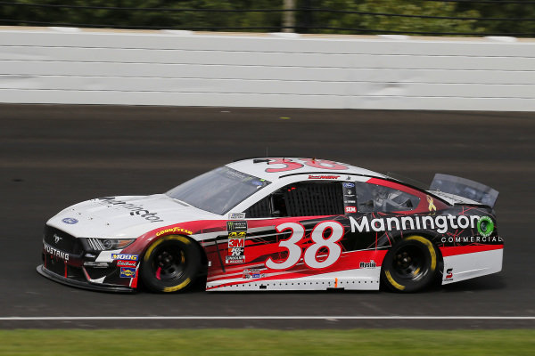 #38: David Ragan, Front Row Motorsports, Ford Mustang Mannington Commercial