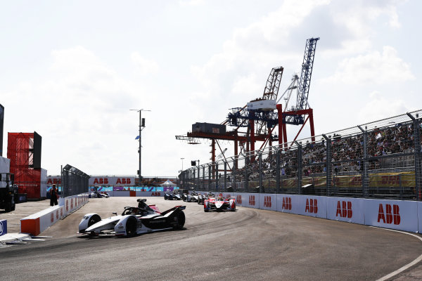 Pascal Wehrlein (DEU), Tag Heuer Porsche, Porsche 99X Electric, leads Alexander Sims (GBR), Mahindra Racing, M7Electro, and Oliver Rowland (GBR), Nissan e.Dams, Nissan IMO2