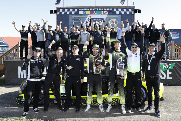 Winners #14 AIM Vasser Sullivan Lexus RC F GT3, GTD: Richard Heistand, Jack Hawksworth with team and Lexus personnel