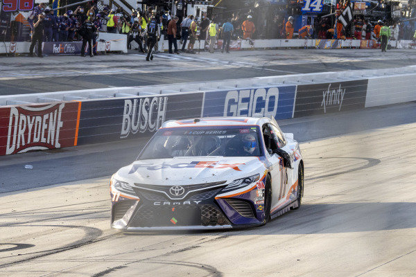 #11: Denny Hamlin, Joe Gibbs Racing, Toyota Camry FedEx Office celebrates his victory